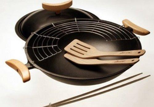 Brotes de soja y wok t picos de la cocina china for Cocinar con wok
