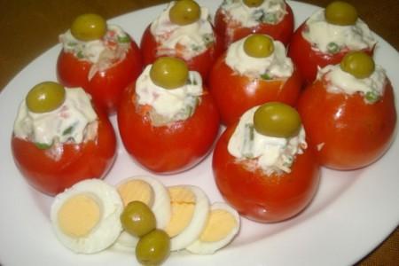 Tomates rellenos, clásico navideño argentino