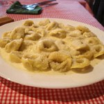 Tortellini con salsa de champiñones, de Italia