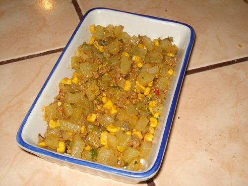 Picadillo de chayote y maíz