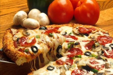 Pizza estilo Chicago, exquisita preparación casera