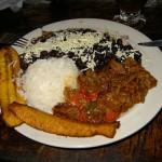 Pabellón caraqueño: plato nacional de Venezuela