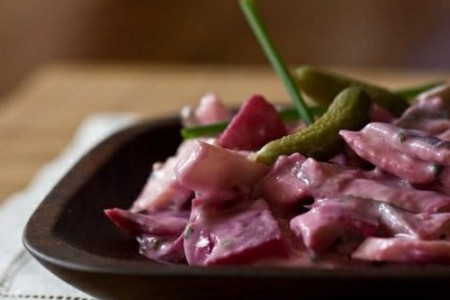 Ensalada de arenques, un plato típico de Islandia